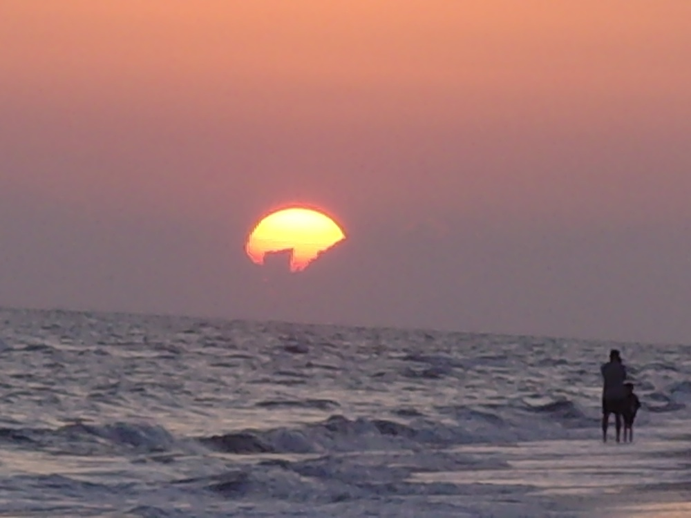 A Sanibel, Florida sunset from my beach vacation archives.